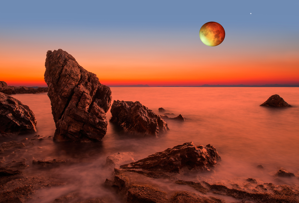astrologyhub-augustfullmoon-aquarius-lunareclipse